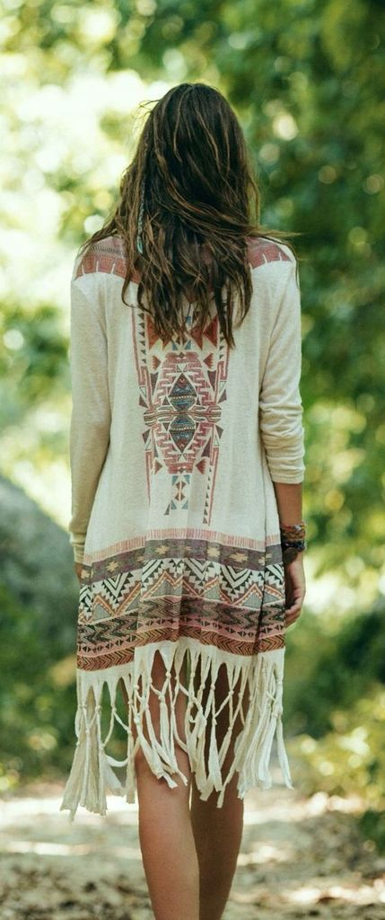 Patterned dress in white to perfect your style