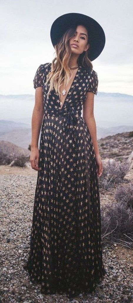 Star-patterned black dress in black