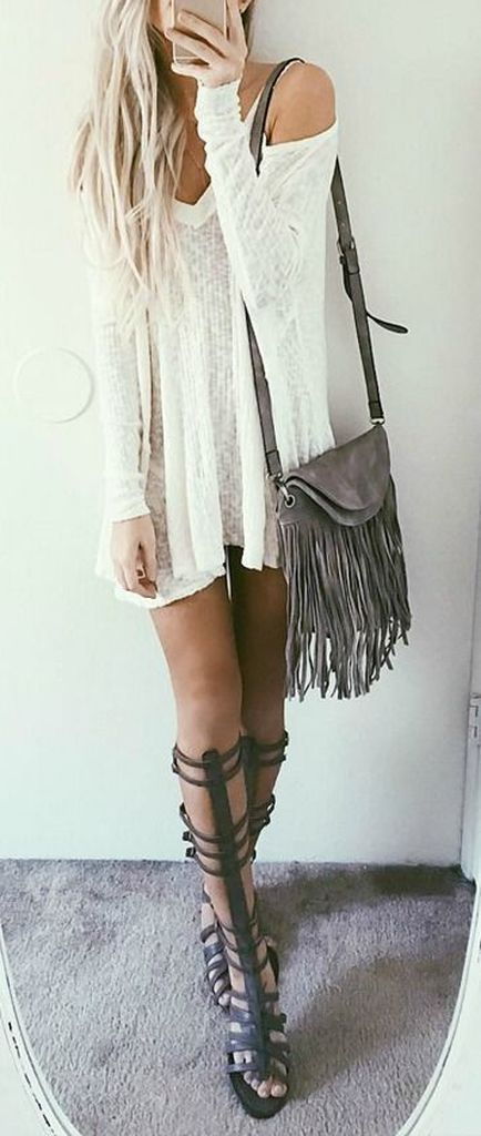 White dress combined with rope shoes