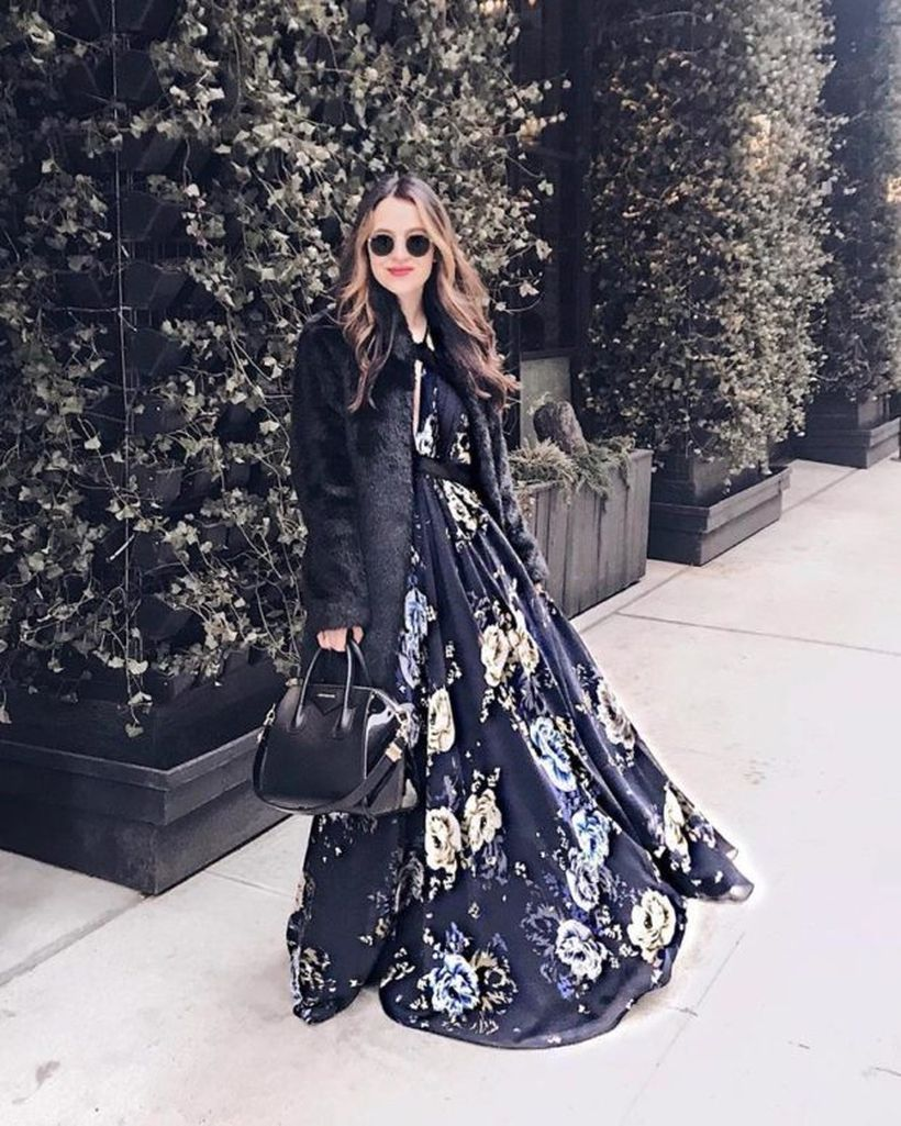 A-wonderful-birthday-party-outfit-for-your-special-moment-with-elegant-flower-patterned-long-dresses-swedish-black-jackets-black-handbags-look-simple-but-classy.-