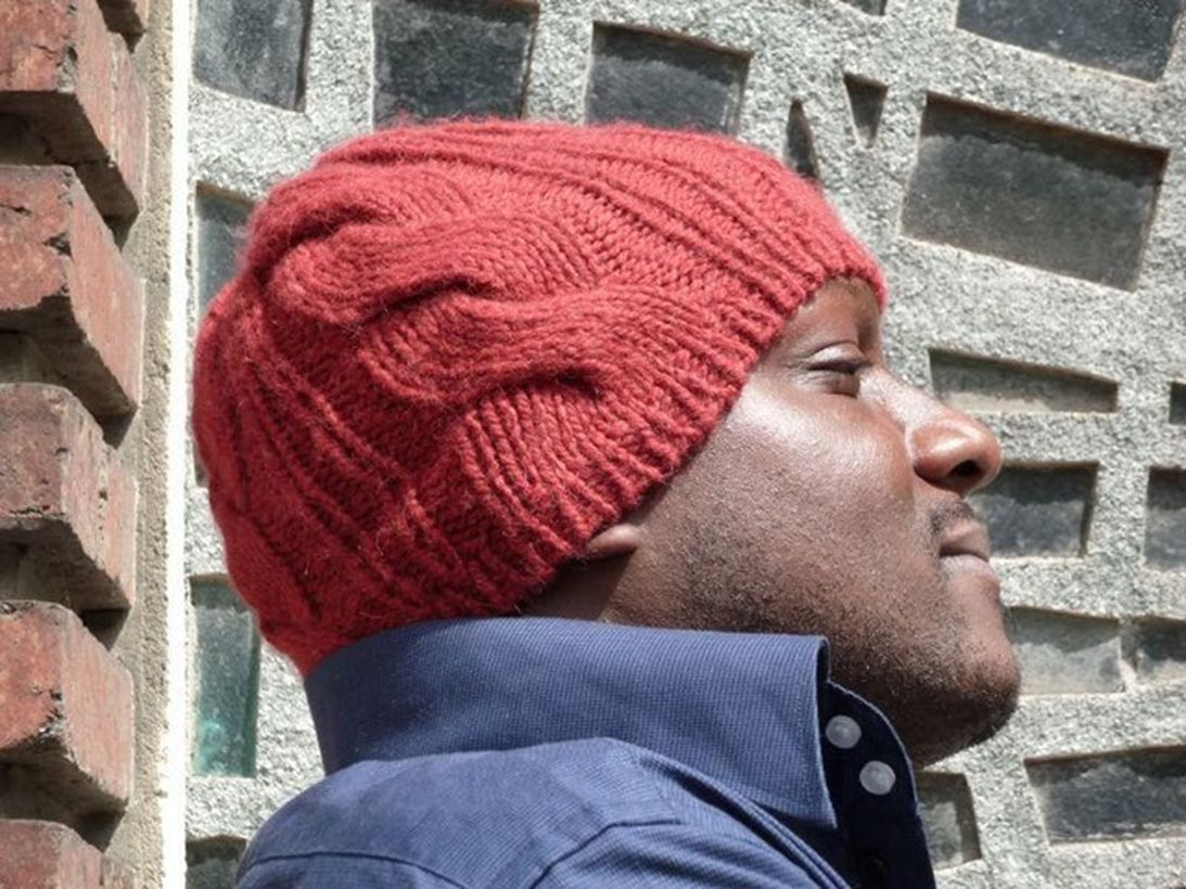 Red knit headger