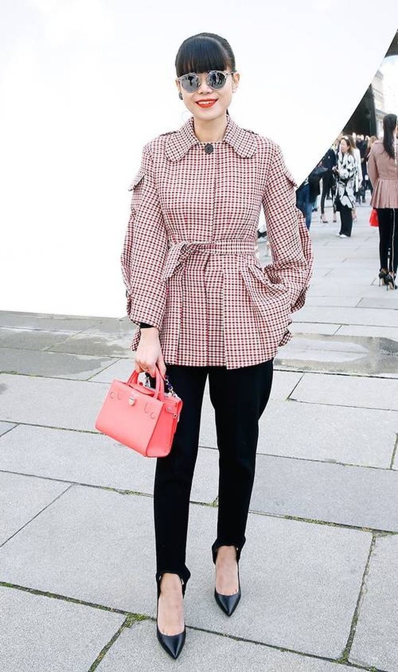 Plaid-blouse-for-business