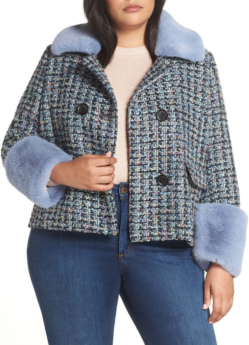 Beautiful-plaid-jacket-like-a-blazer-made-of-tweed-with-additional-velvet-material-on-the-collar-and-sleeves-to-be-comfortable-and-warm