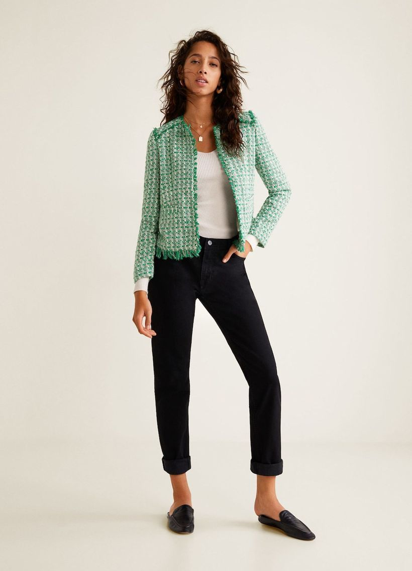 Cool-jacket-made-from-tweed-is-suitable-for-this-season-combined-with-a-long-white-knit-shirt-to-make-you-comfortable-and-warm