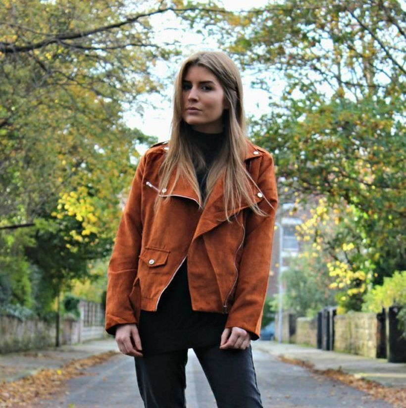 Cool-brown-suede-jacket-and-black-legging