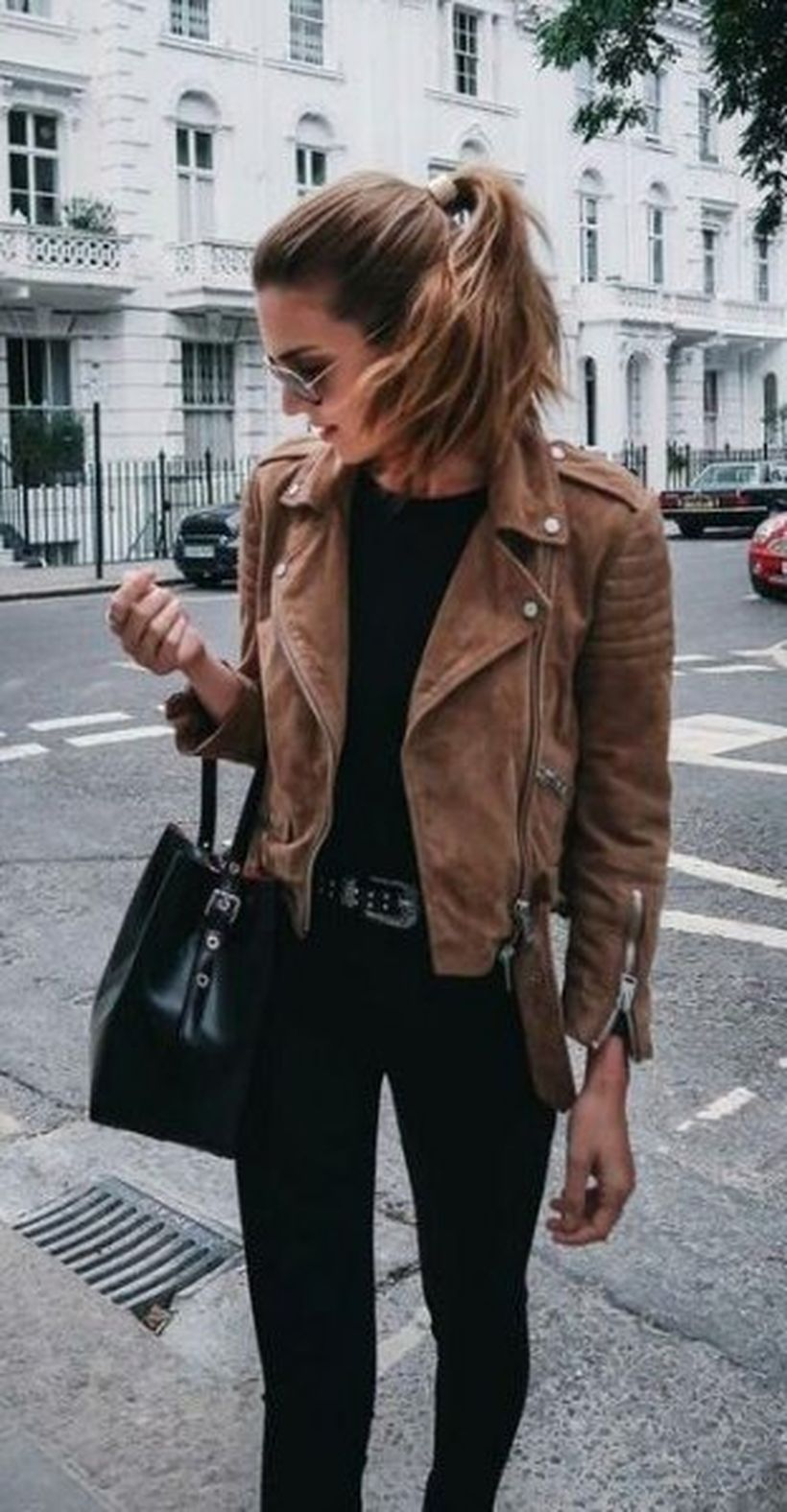 Brown-suede-jacket-with-black-sweater-and-skinny-jeans