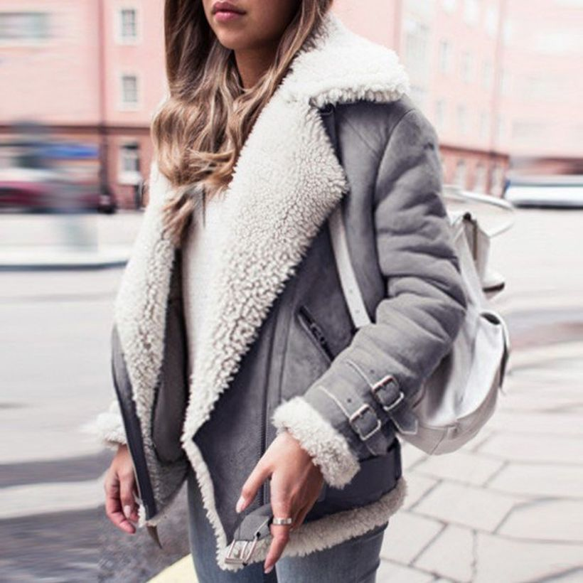 White-faux-fur-collar-suede-jacket-and-skinny-jeans