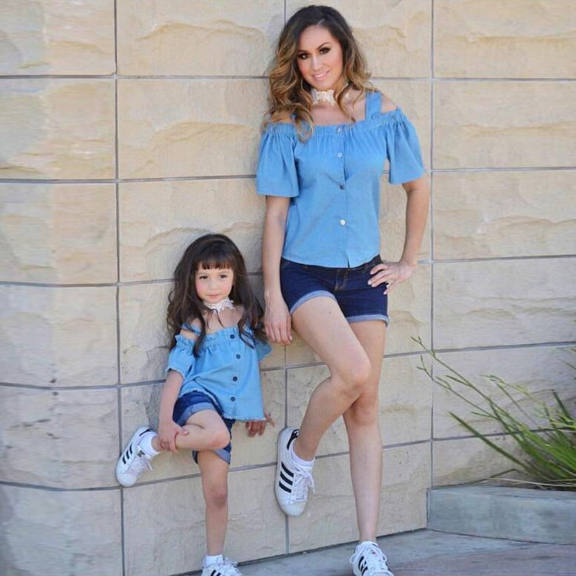 Best-matching-outfit-for-mom-and-daughter-with-denim-blouse-and-short