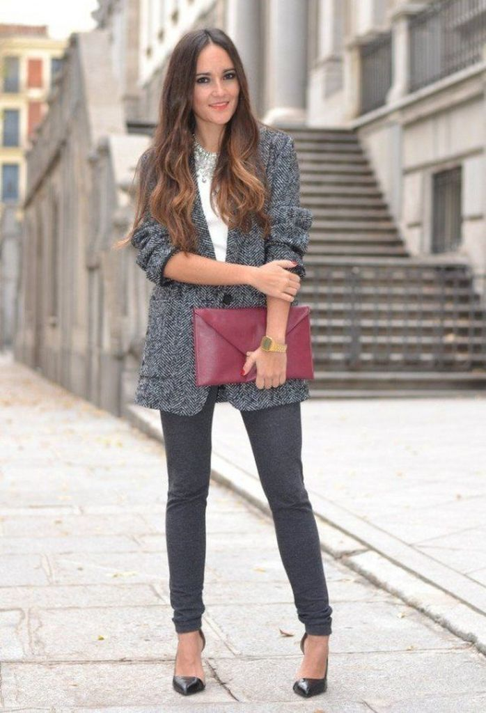 An amazing outfit ideas for women wtih grey tweed jacket combined with dark pant to perfect your style