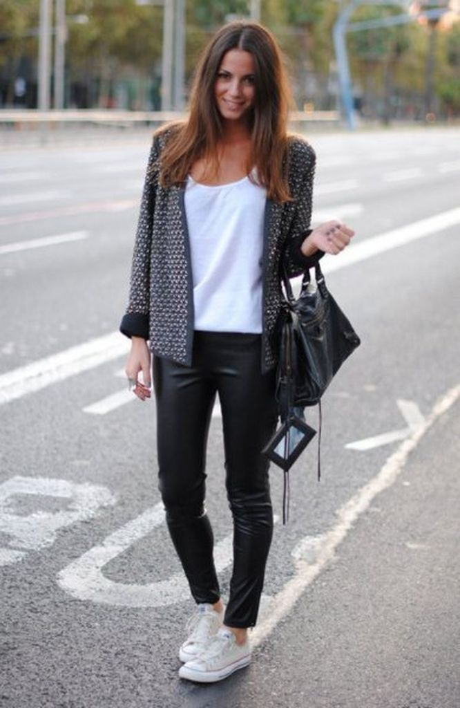 Comfy outfit for women with tweed jacket with black leather pants to perfect your style