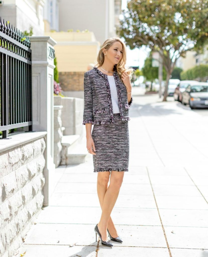 An-awesome-outfit-for-women-with-classic-tweed-jacket-combined-with-skirt-suit-to-perfect-your-style