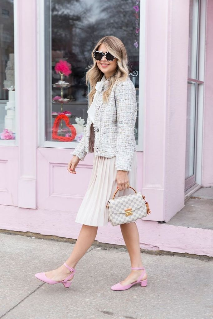 Beautiful-outfit-ideas-for-women-with-grey-tweed-jacket-combined-with-a-white-skirt-to-perfect-your-style