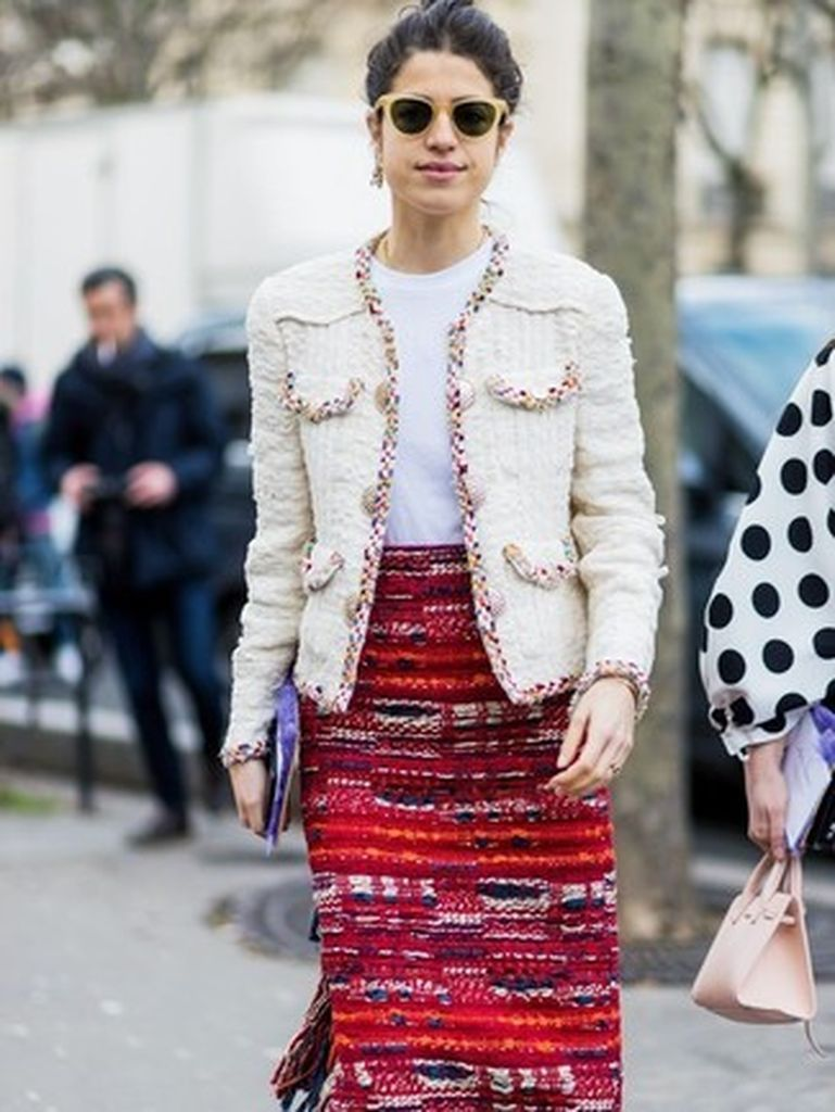 An-amazing-women-outfit-ideas-with-a-white-tweed-jacket-combined-with-a-red-tweed-pencil-skirt-to-make-more-pretty-your-style