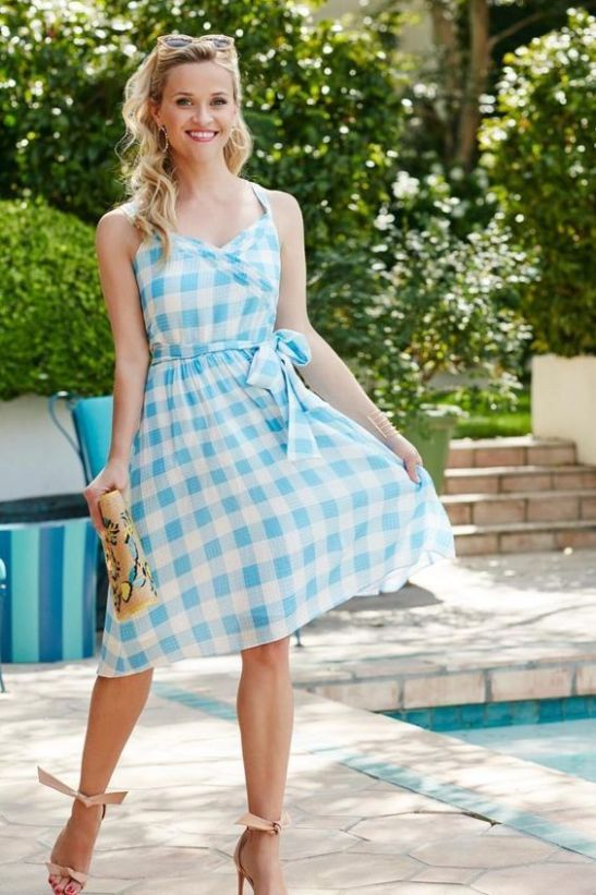 A sundress is a perfect preppy outfit!