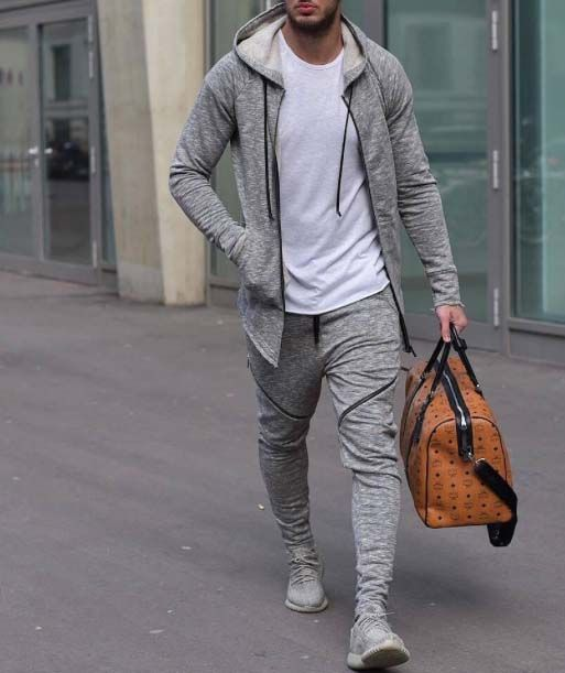 Sweatsuits are the best men's athletic outfits!