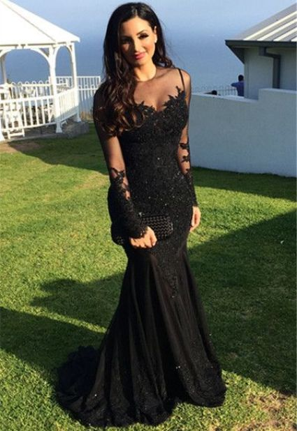 Black is a perfect color for mermaid prom dresses!