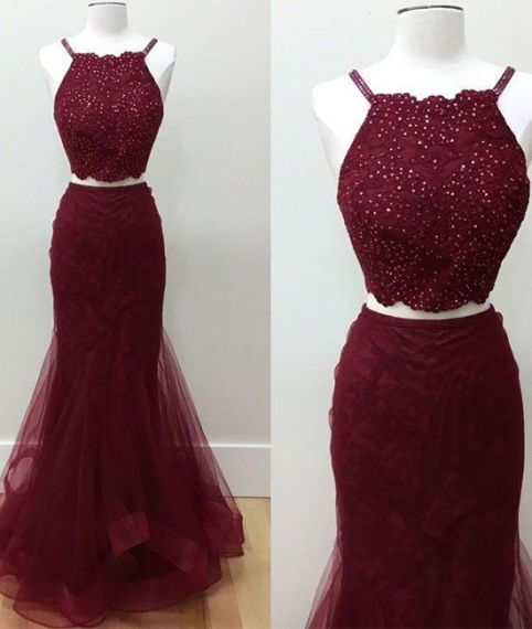 Maroon is a perfect color for mermaid prom dresses!