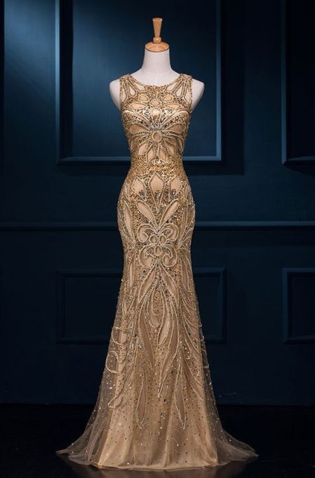 Gold is a perfect color for mermaid prom dresses!