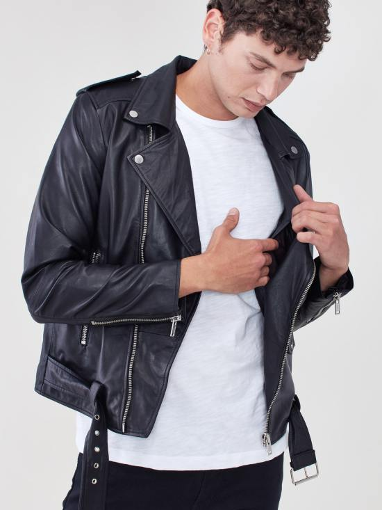 *Fall Men's Jackets That You Have To Try On