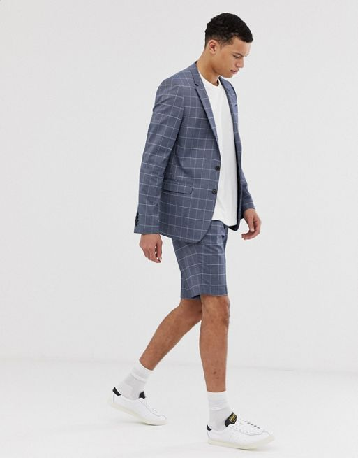 *10 Clothing Items Men Shouldn't Be Afraid To Wear