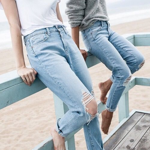 These are the best websites with cute cheap jeans for women!