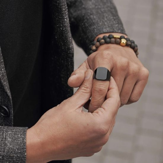 10 Jewelry Pieces For Your Boyfriend This Fall
