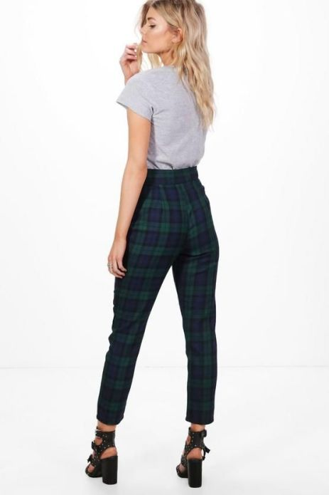 6 Tartan Outfits That Will Keep You Cozy And Cute This Fall