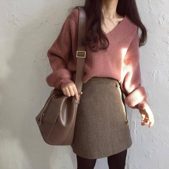10 Ways To Wear A Minidress/Mini Skirt In The Winter
